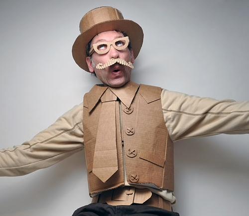 Clic clac foto… disfraz de cartón