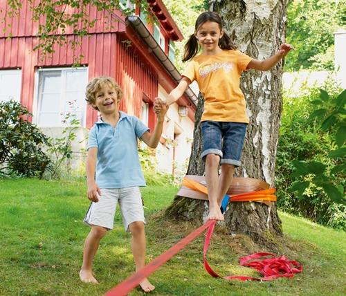 Slackline, un deporte de equilibrio con muchos beneficios