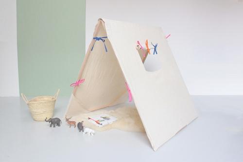 Una casita para niños en tela.