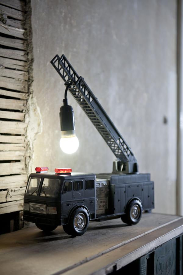 DIY: Como hacer una impactante lámpara grua