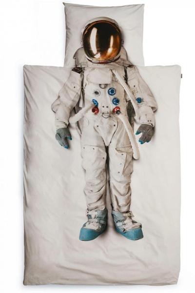 Un astronauta en mi cama!!!