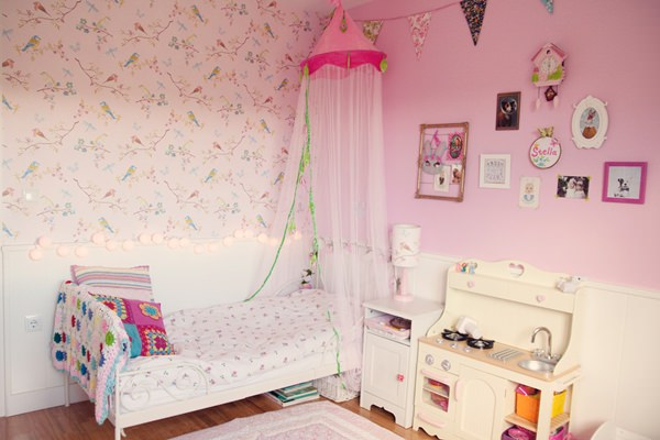 Habitación en rosa para una niña con muebles de Ikea | DecoPeques