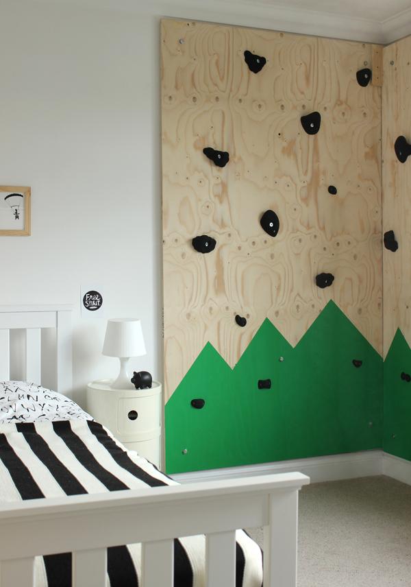 Un rocódromo en el dormitorio infantil