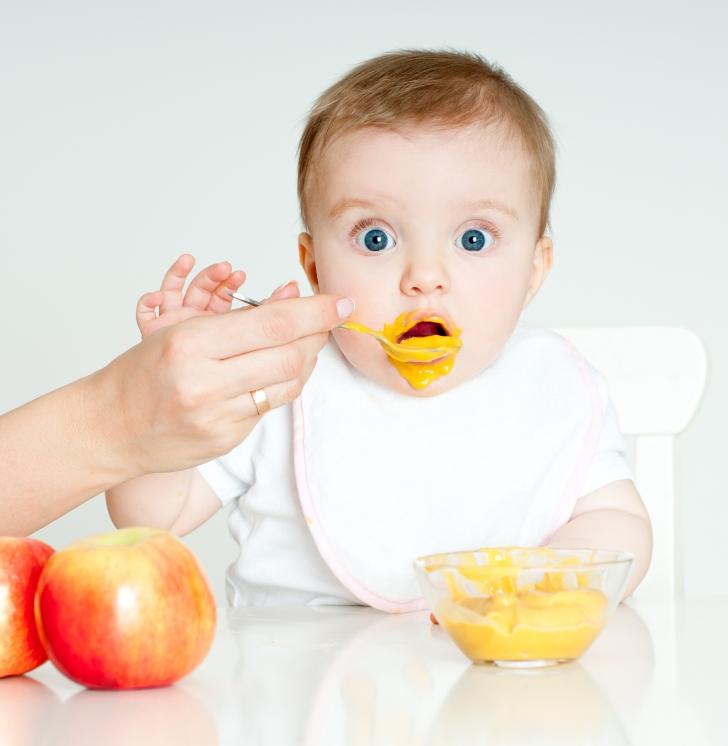 La primera trona de tu bebé