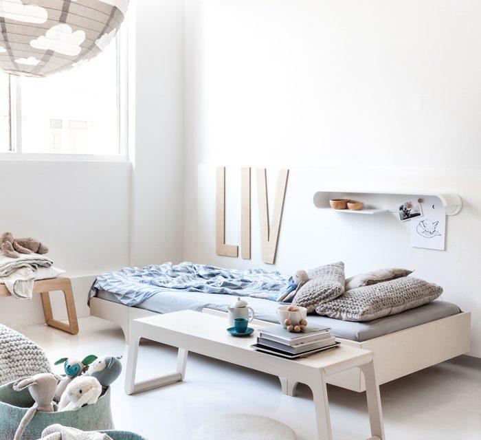 Habitación infantil nórdica con muebles cool