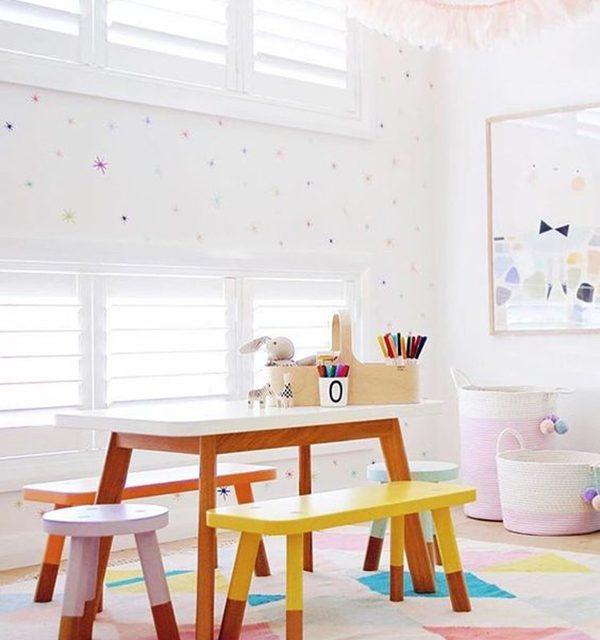 6 Mesas y sillas infantiles para el cuarto de juegos