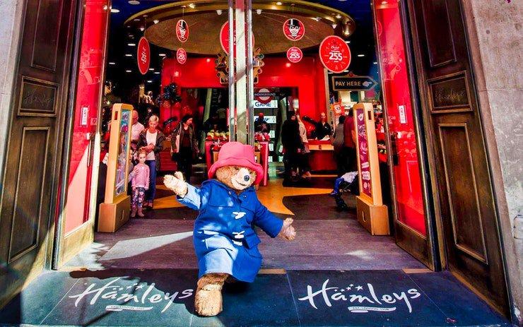 Viajar con niños; la tienda de juguetes más grande del mundo