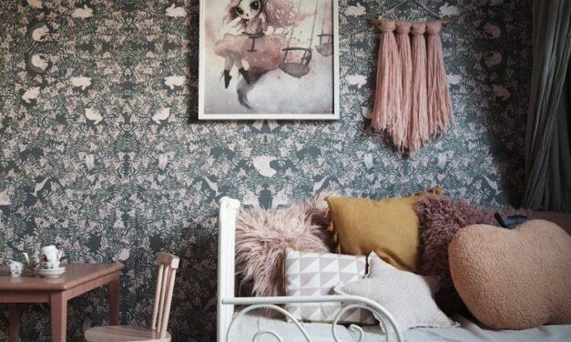 Papeles pintados oscuros para dormitorios infantiles