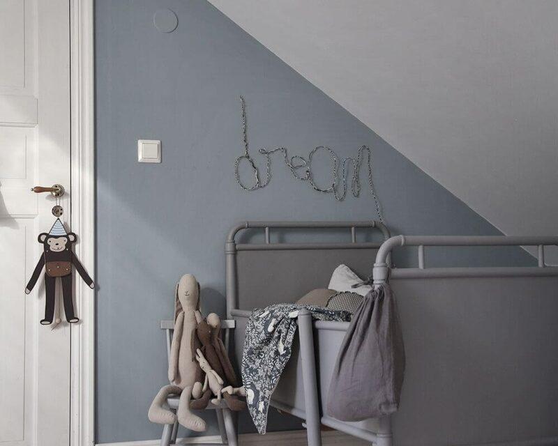Inspiración: dormitorio infantil compartido en gris y blanco