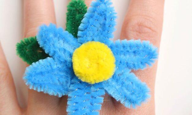 Manualidad infantil: anillos con limpiapipas