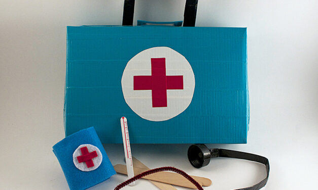 Manualidad infantil: jugando a los médicos